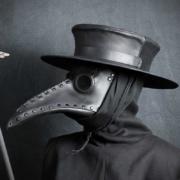 Pestdokter met hoed