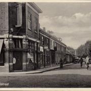 Kanaalstraat hoek Kapelstraat ca. 1935